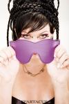 Bandeau cuir violet Spartacus - Bandeau pour les yeux classique en cuir violet de la collection Crave Line, par Spartacus.