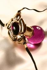 String bijou Fleur de Jouissance - Un bijou p�n�trant troublant qui glisse entre vos l�vres et suit sensuellement toutes les positions de votre corps. Amusez vous � contracter vos muscles vaginaux... et laissez-vous aller au plaisir !