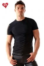 Tee Shirt lycra Stud - Tee-shirt en lycra moulant et tr�s doux, il sculpte votre torse de mani�re irr�sistible.